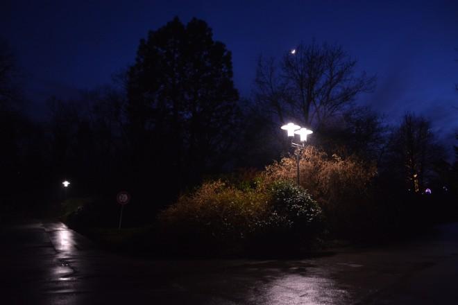 Parkbeleuchtung in der Nähe des Margarethensees