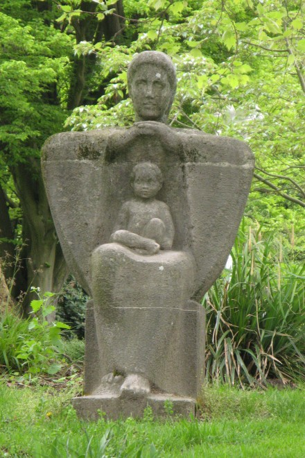 Kunstwerk: Mutter und Kind